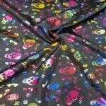 Raso Negro Calaveras multicolor